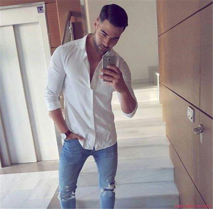 男生白衬衫搭配裤子方案