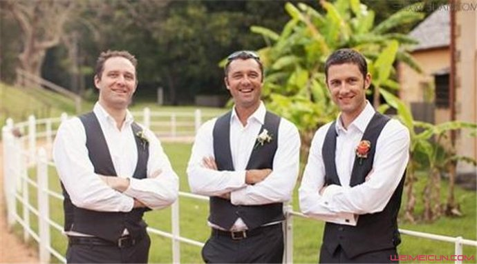 男士参加婚礼穿什么衣服好