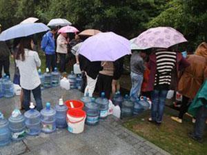 网红山泉引排队打水怎么回事 山泉水是有什么功效吗?
