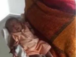 女婴被视为神灵怎么回事 村民这些行为令人