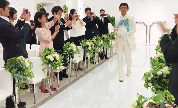 日本男娶全息影像
