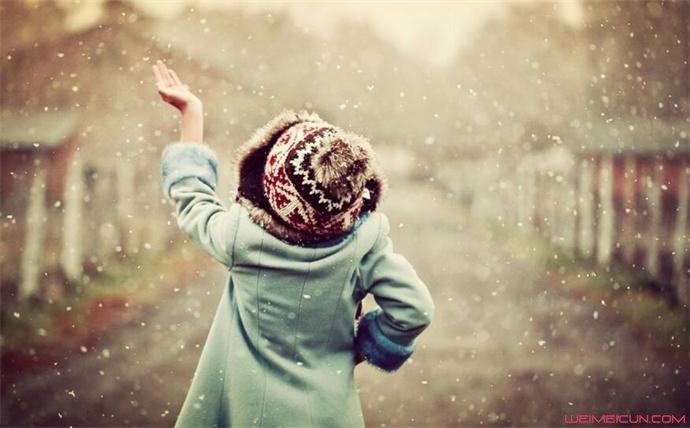 下雪兴奋成面瘫