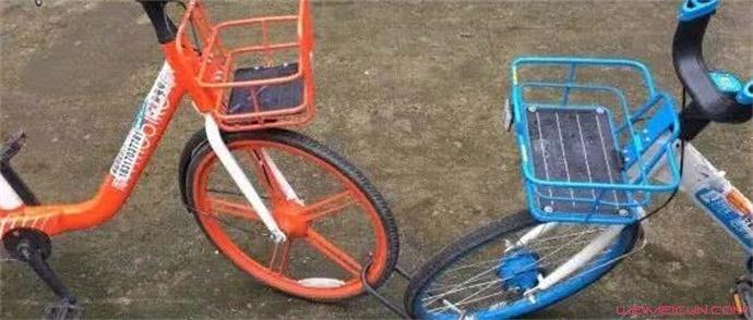 女子怒扛共享单车原因