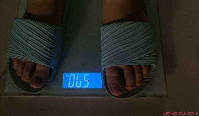 全班寒假前称体重