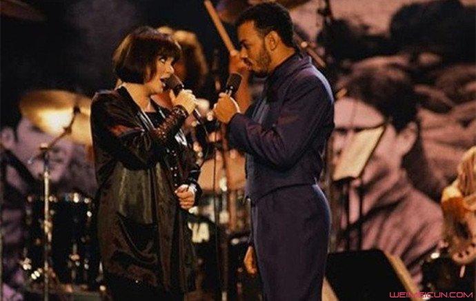 歌手詹姆斯殷格朗去世