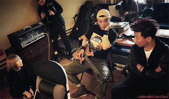 陈羽凡现在在哪里 现身录音棚疑录新歌复出详情揭露  第2张