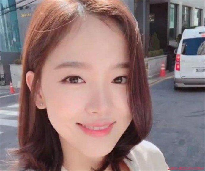 姜汉娜出演的三级叫什么名字 姜汉娜一脱成名真的吗  第1张