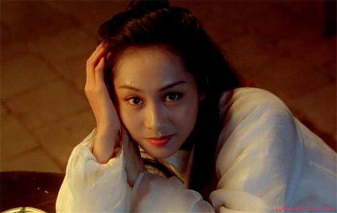 女神朱茵也拍过三级片 这个还真意想不到  第1张