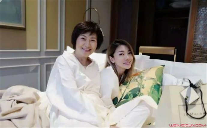 程晓玥母亲去世了吗 程晓玥的妈妈得了什么病  第2张