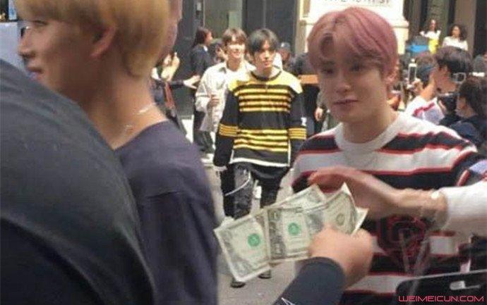 NCT粉丝现金应援 李马克本人被吓出大眼睛详情曝光  第1张