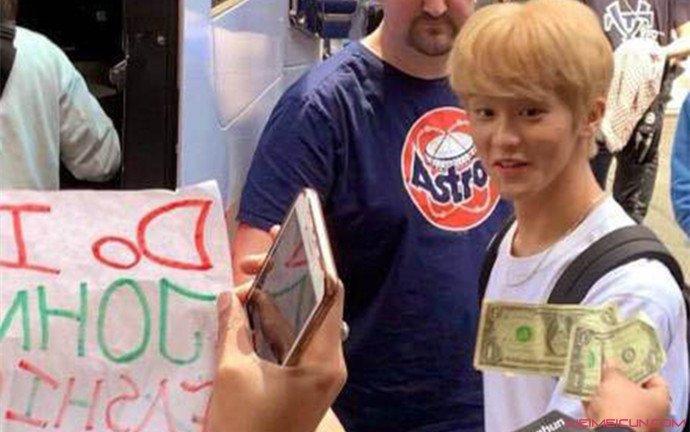 NCT粉丝现金应援 李马克本人被吓出大眼睛详情曝光  第2张