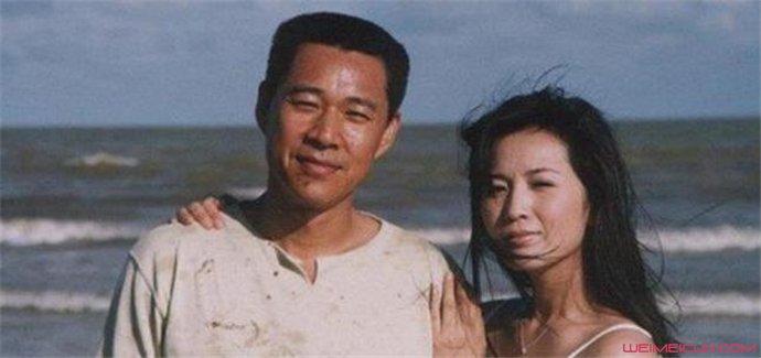 张丰毅的现任妻子是谁