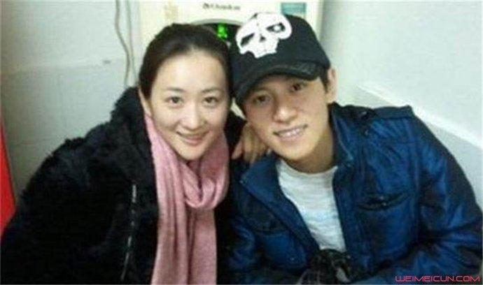 秦俊杰和李玥是亲姐弟吗