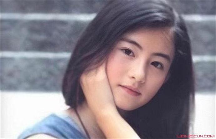张柏芝晒12岁童年旧照