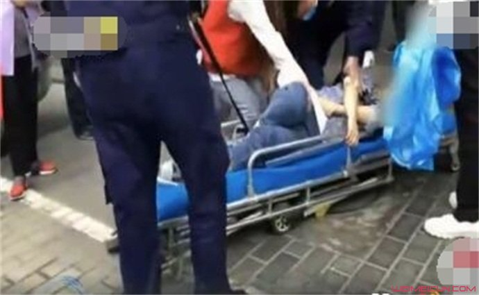 怕花钱阻止闺蜜上救护车