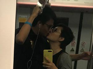 袁立地铁上主动索吻 与老公地铁亲热遭非议