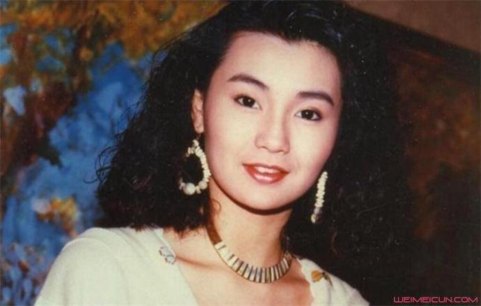 张曼年轻时美照