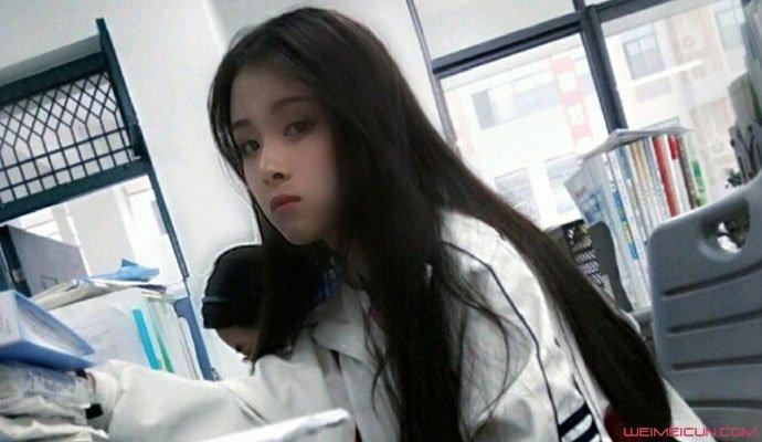 洪一诺高中时照片