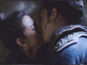 宋祖儿荧幕初吻曝光 众人最初以为会是刘昊