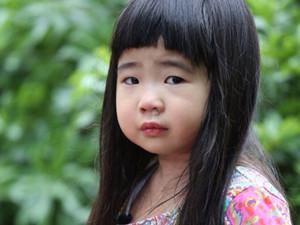 姐姐Grace近照曝光 曹格9岁女儿成小淑女颜值被称赞