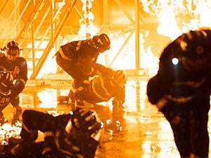 烈火英雄电影故事原型 真实还原火灾细节场面令人震撼