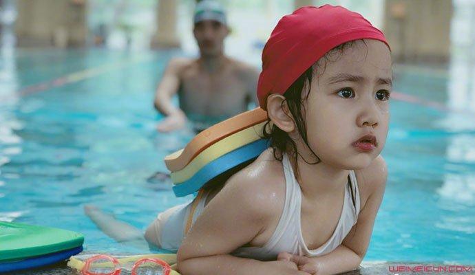 多妹去年泳装照