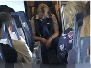 空姐高空执勤喝醉 一系列举动吓到乘客事件后续曝光