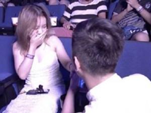TI9现场观众求婚怎么回事 当众甜蜜但不料后