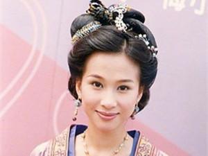 43岁文颂娴复出 她与王子文的对比照令人傻