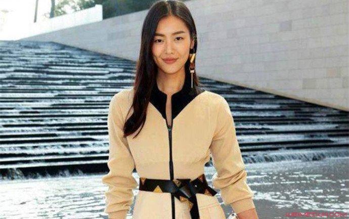 刘雯首次缺席时装周