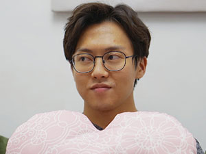 我们恋爱吧韩文个人资料 韩老师胖照曝光他的职业是什么