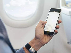 乘客因没关手机返航 不关手机手机坐飞机到