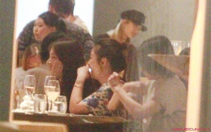 张承中与SHE聚餐