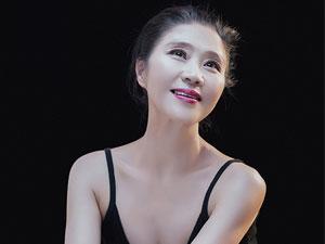 走进著名舞蹈家夏冰的舞蹈世界——《山鼓咚