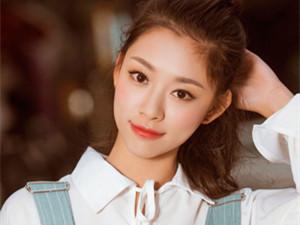 叶炫清的胸是什么梗 这样一个清新少女怎么
