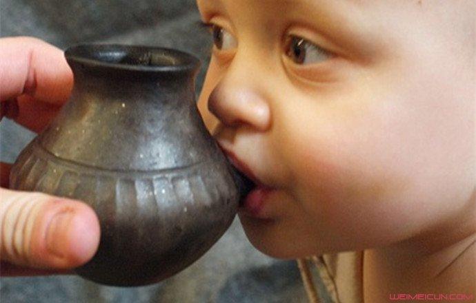 史前人类也用奶瓶