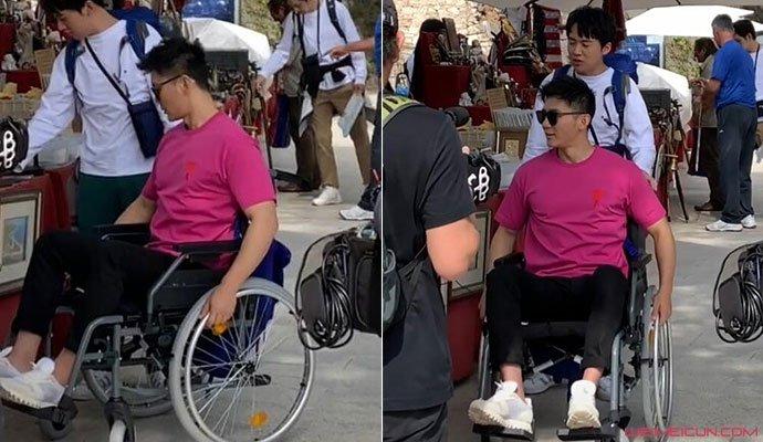 李晨受伤坐轮椅照
