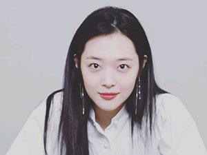 韩国艺人雪莉死亡 25岁崔雪莉疑在家中自杀震惊众人