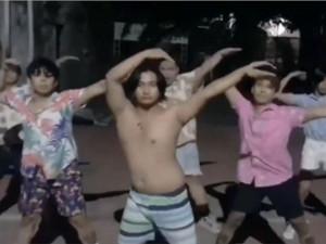B站新宝岛是什么梗 C位跳舞的胖子是谁居然大有来头