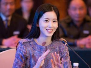 章泽天回怼网友 具体详情内容及其资料简介