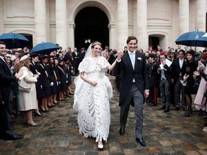 法国举办世纪婚礼 新郎新娘来头惊人两大家族联姻
