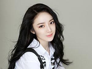 泓萱泳装照有吗 女演员泓萱为什么改名其真