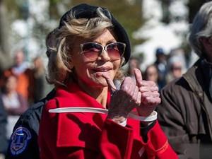 简·方达被逮捕 81岁影后连续三周被捕的原