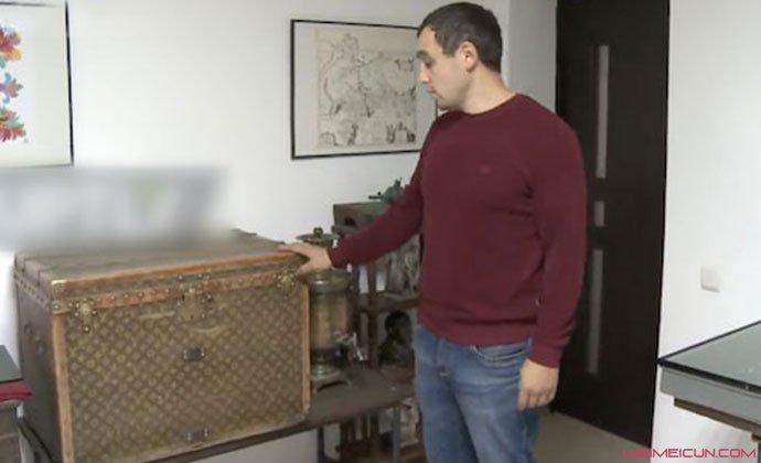 夫妇家中发现LV行李箱