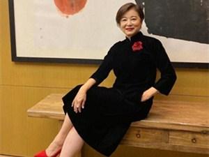 林青霞65岁庆生照 看这样子就知道她晚年过