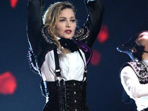 麦当娜被粉丝起诉 演唱会屡次迟到的她回怼