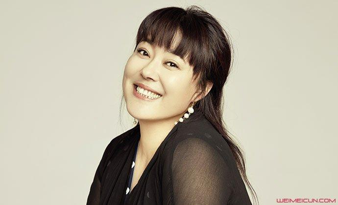李菁菁为什么退出娱乐圈 深扒李菁菁情史她结过几次婚