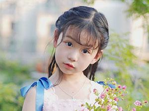 凌岑七七个人资料 小童星凌岑父母是谁父母