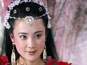 55岁傅艺伟近照 一些评论恶意满满当女星难