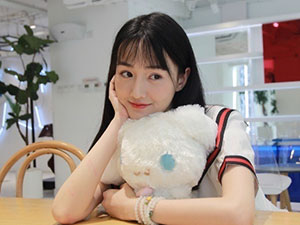 演员黄馨瑶是哪里人 黄馨瑶郑爽照片对比像